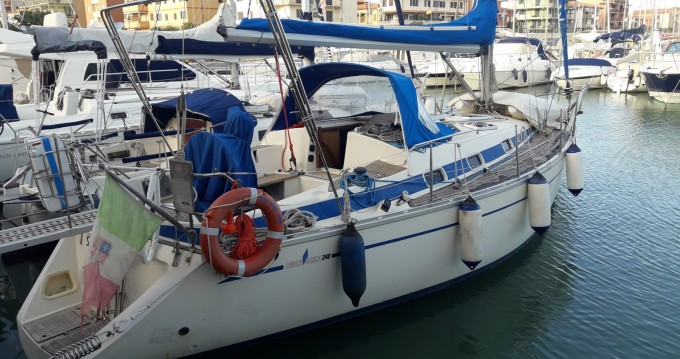 Rental Sailboat in Marina di Grosseto - Bavaria Bavaria 340 Caribic