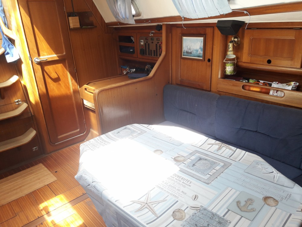 Hire Sailboat with or without skipper Bavaria Marina di Grosseto