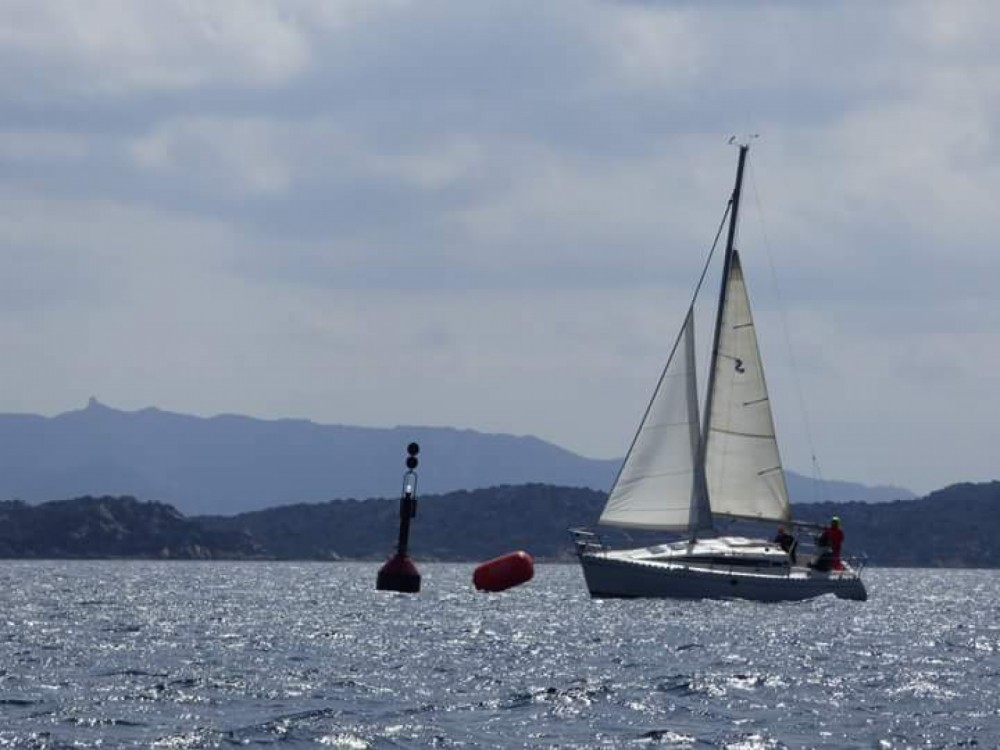 Boat rental Isthintini/Stintino cheap First 285