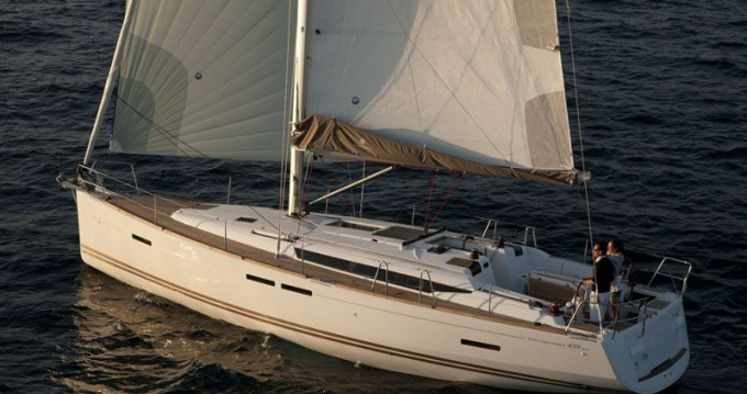 Jeanneau Sun Odyssey 439 between personal and professional Kos