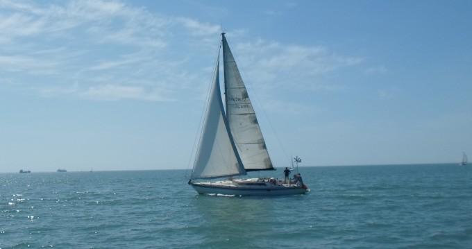 Rental Sailboat in La Rochelle - Jeanneau Sun Fizz