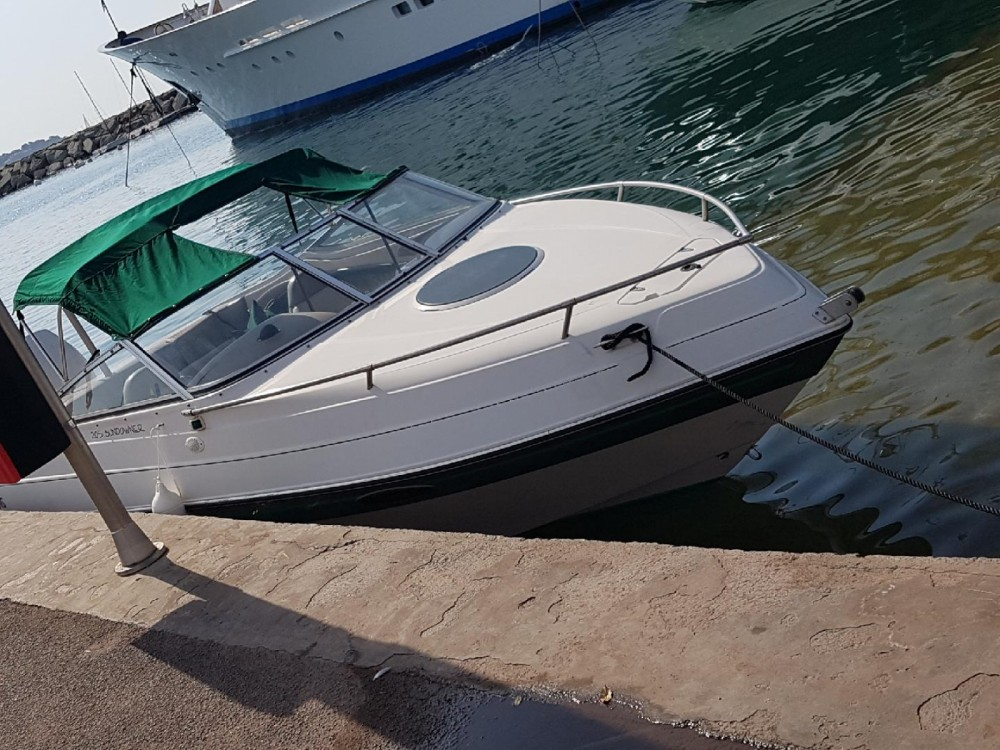 Hire Motor boat with or without skipper Four Winns La Ciotat
