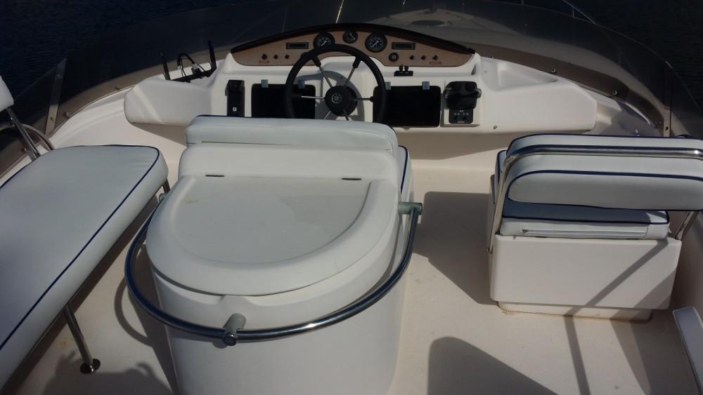 Boat rental Área Metropolitana de Lisboa cheap 39S