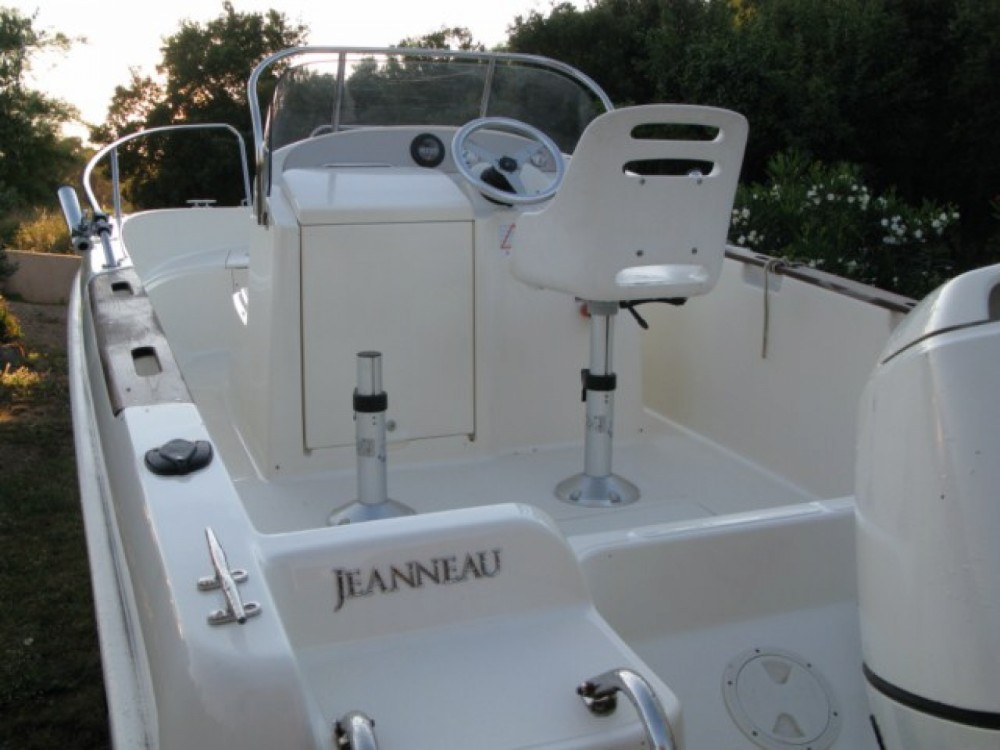 Jeanneau Cap Camarat 515 between personal and professional Bastia