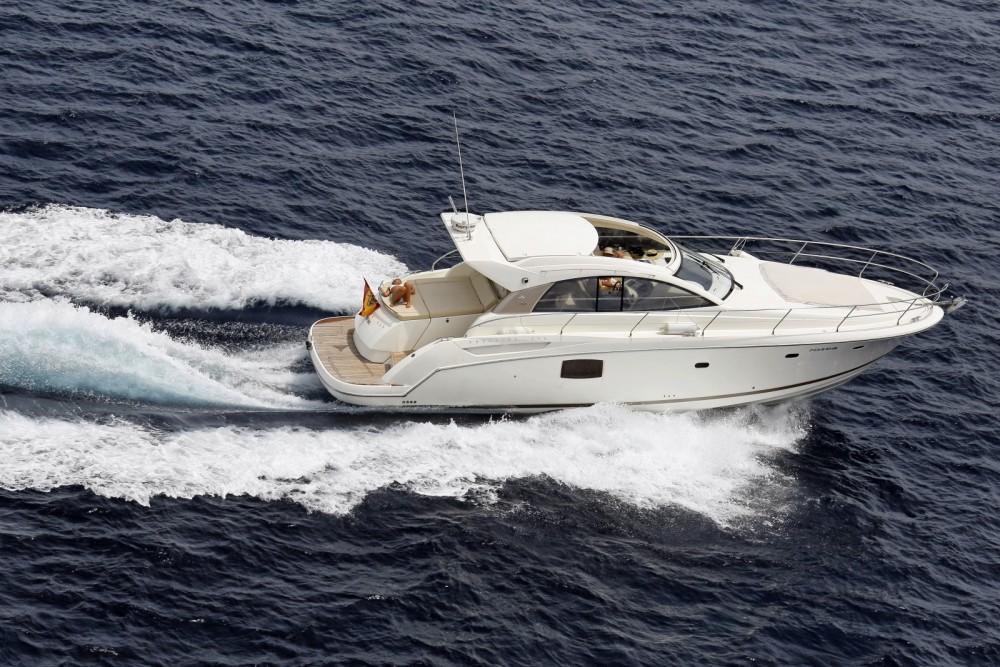 Rental yacht Puerto Sotogrande - Jeanneau Prestige 42 S on SamBoat