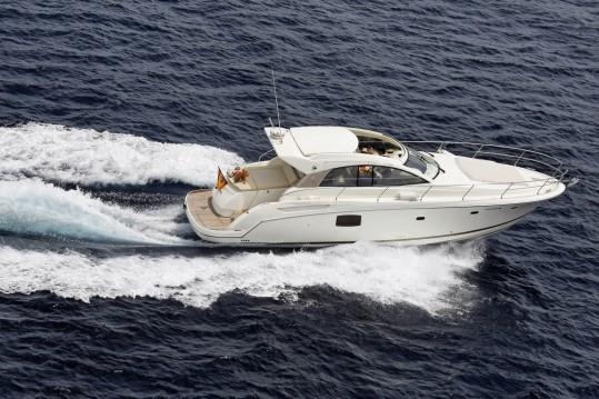 Boat rental Jeanneau Prestige 42 S in Sotogrande on Samboat