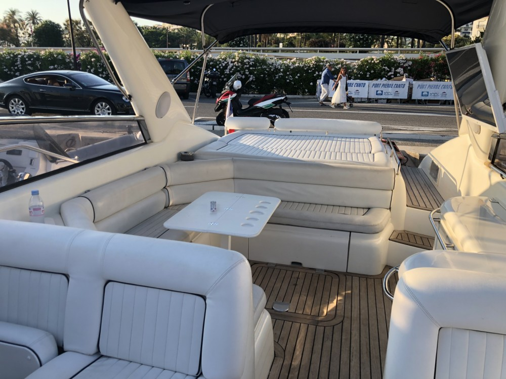 Hire Motorboat with or without skipper Sunseeker Cannes