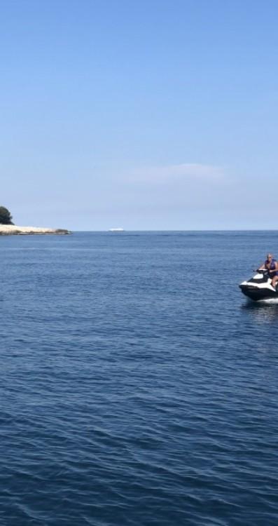 Rental yacht Provenza-Alpi-Costa Azzurra - Sunseeker Comanche 40 on SamBoat