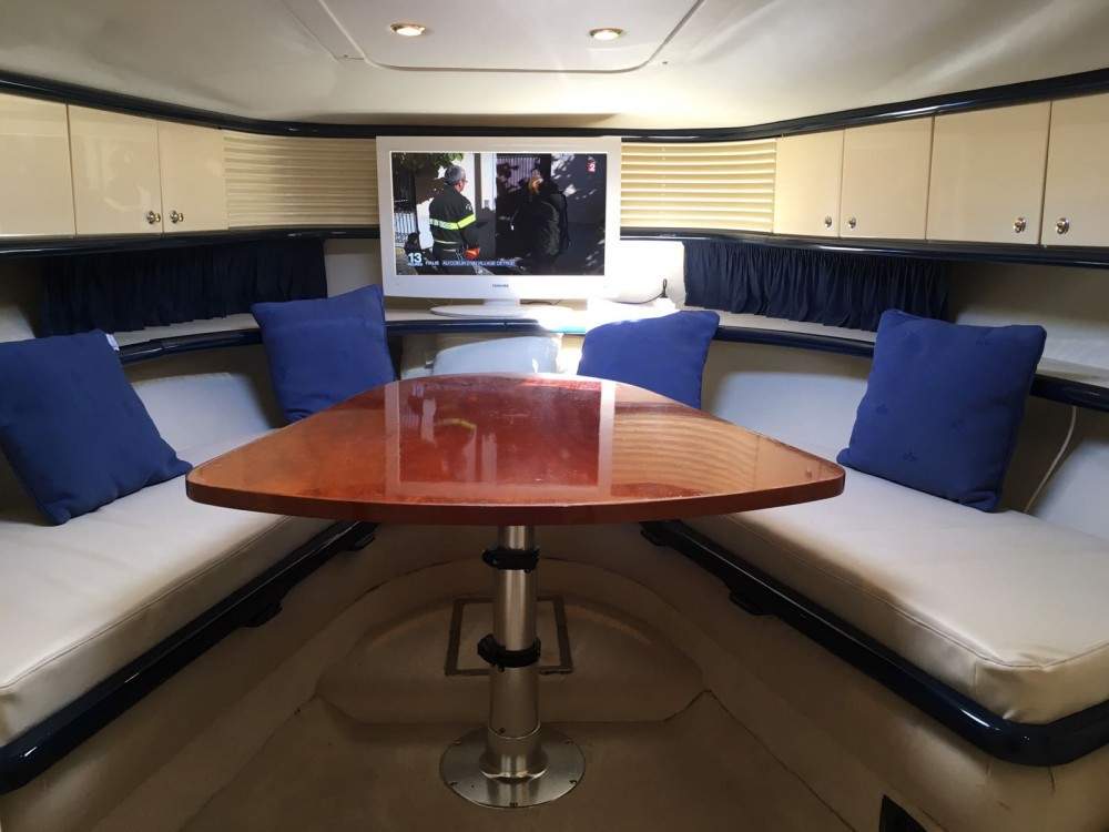Sunseeker Comanche 40 between personal and professional Cannes