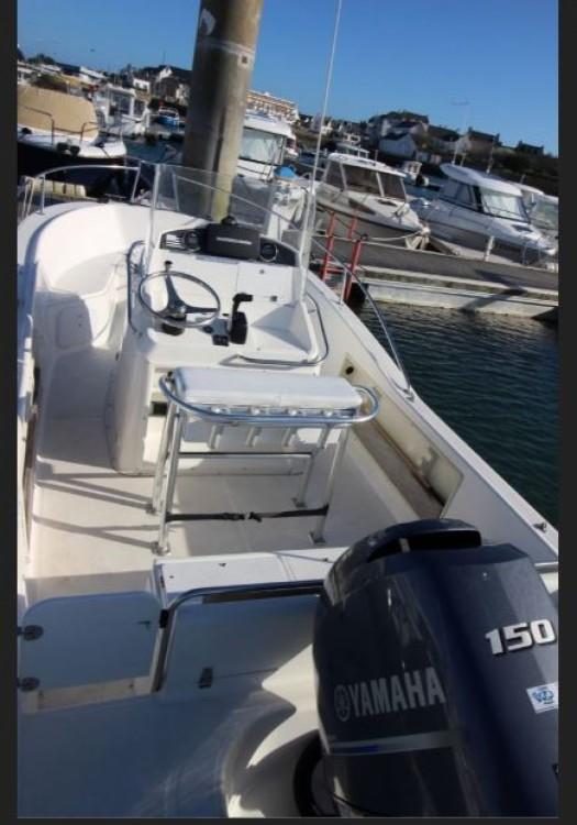 Boat rental Bangor cheap White Shark 205