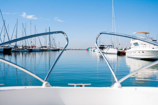 Motorboat for rent La Pobla de Farnals at the best price
