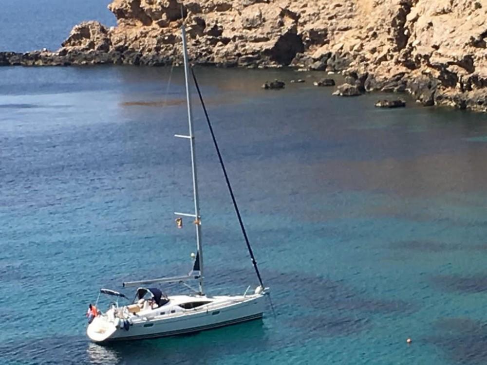 Boat rental Jeanneau Sun Odyssey 39 DS in Alicante on Samboat