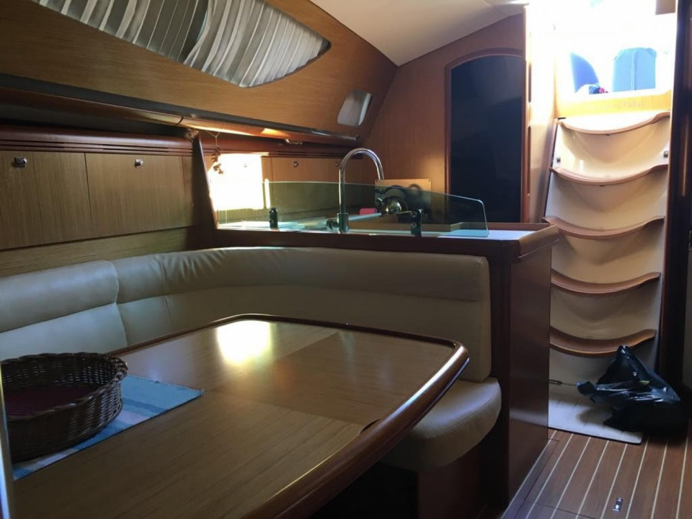 Hire Sailboat with or without skipper Jeanneau Alicante