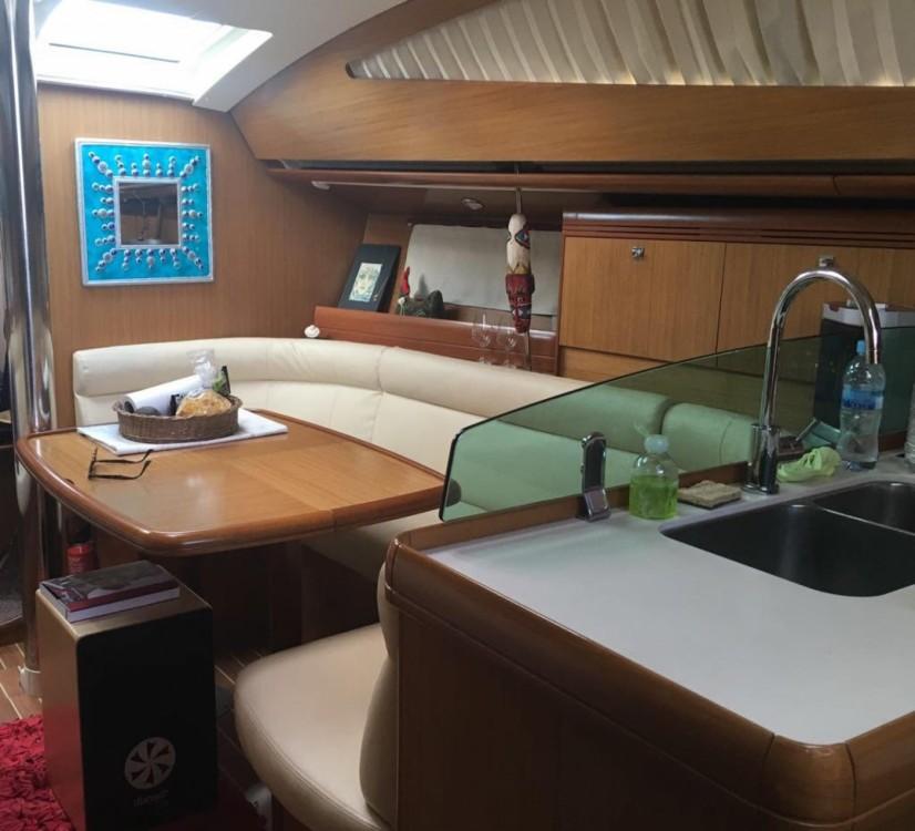 Rent a Jeanneau Sun Odyssey 39 DS Alicante