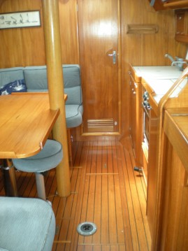 Sailboat for rent Viareggio at the best price