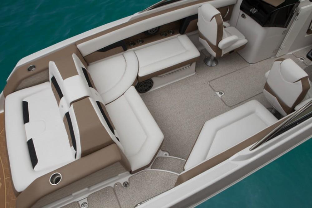 Rental Motor boat in Cannes - Four Winns Horizon