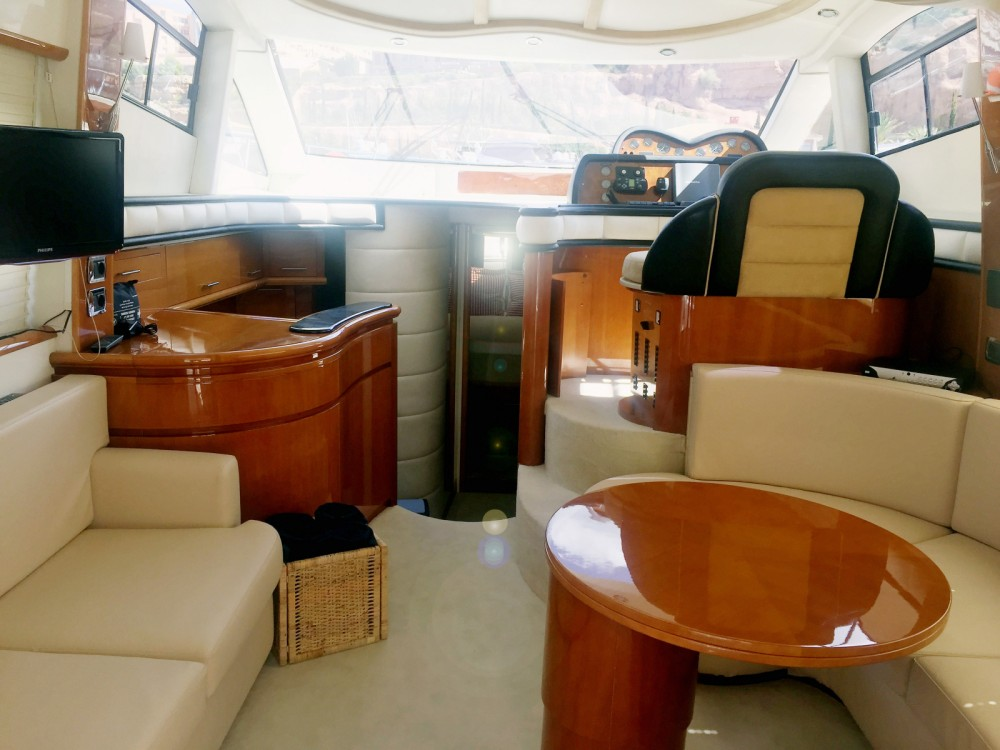 Hire Motor boat with or without skipper Astondoa Balearische Inseln