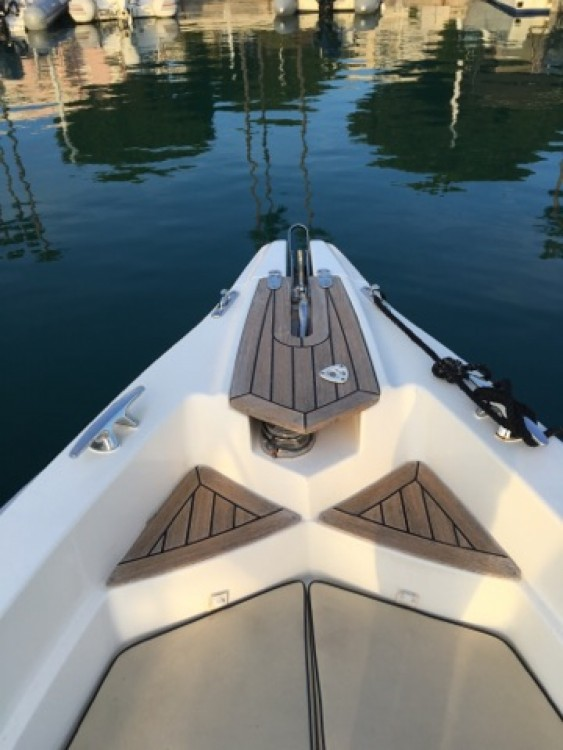 Marlin Marlin Boat 26 Efb between personal and professional Cannes