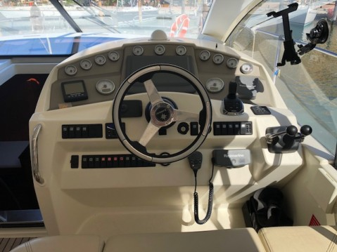 Jeanneau Prestige 42 S between personal and professional Sotogrande