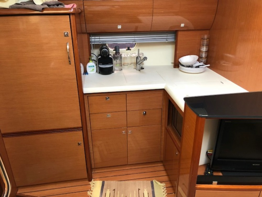 Yacht for rent Puerto Sotogrande at the best price