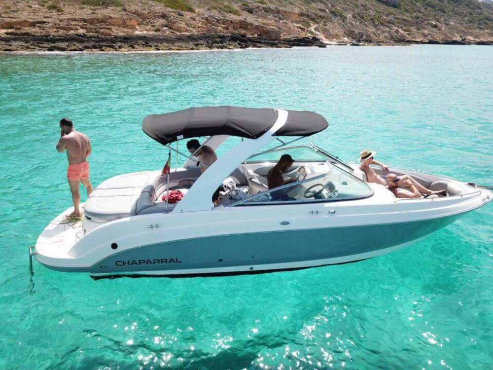 Rental Motor boat Chaparral with a permit