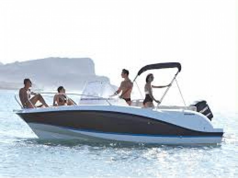 Quicksilver Activ 675 Sundeck between personal and professional Palma