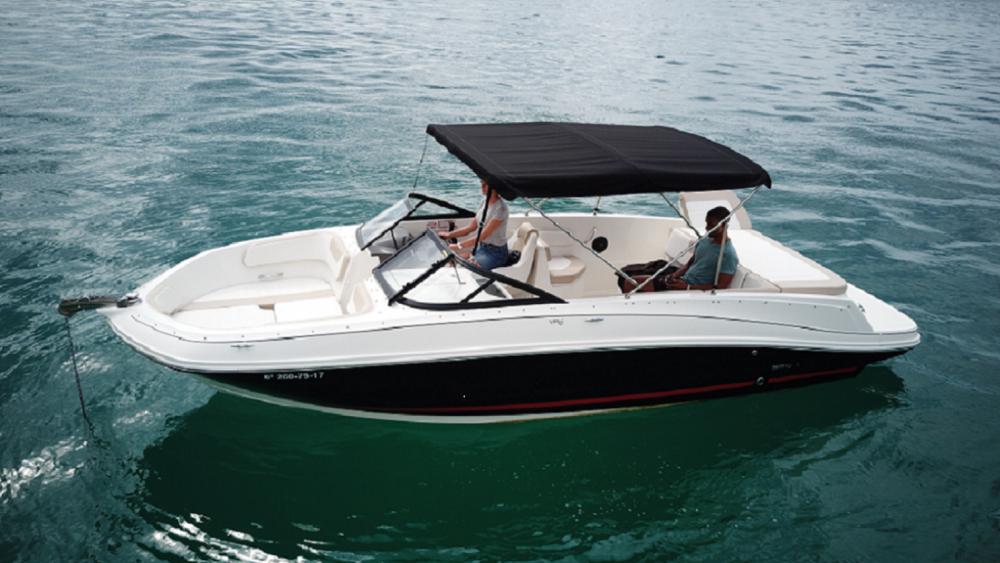 Rental yacht Palma - Bayliner VR6 on SamBoat