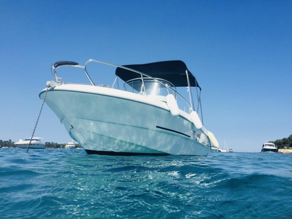 Sessa Marine Key Largo 22 between personal and professional Saint-Laurent-du-Var
