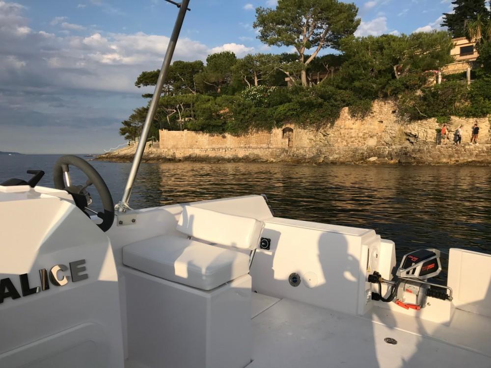 Boat rental Sans Permis Lagoon 55 in Beaulieu-sur-Mer on Samboat