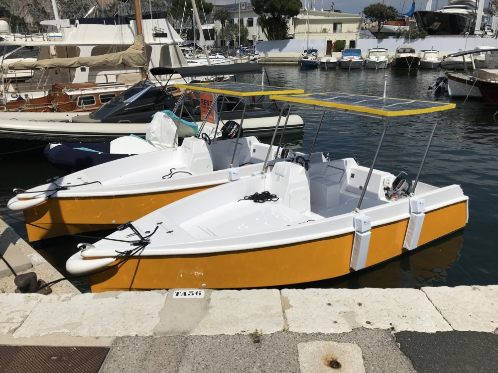 Motor boat for rent Beaulieu-sur-Mer at the best price
