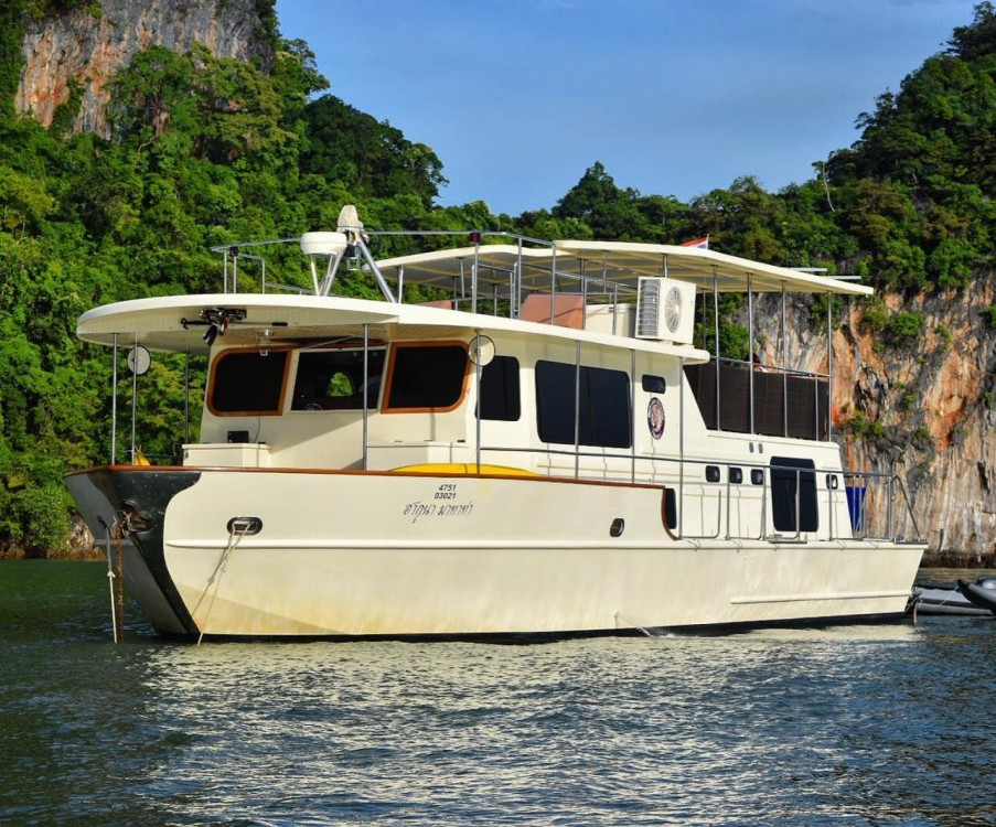 Hire Motorboat with or without skipper Coastal Cruiser Mueang Phuket