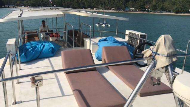 Rental Motorboat in Mueang Phuket - Coastal Cruiser 52 ft