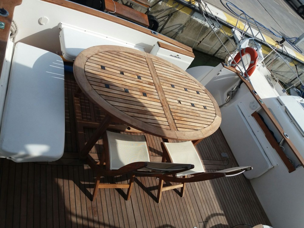 Altair Zafir 42 between personal and professional