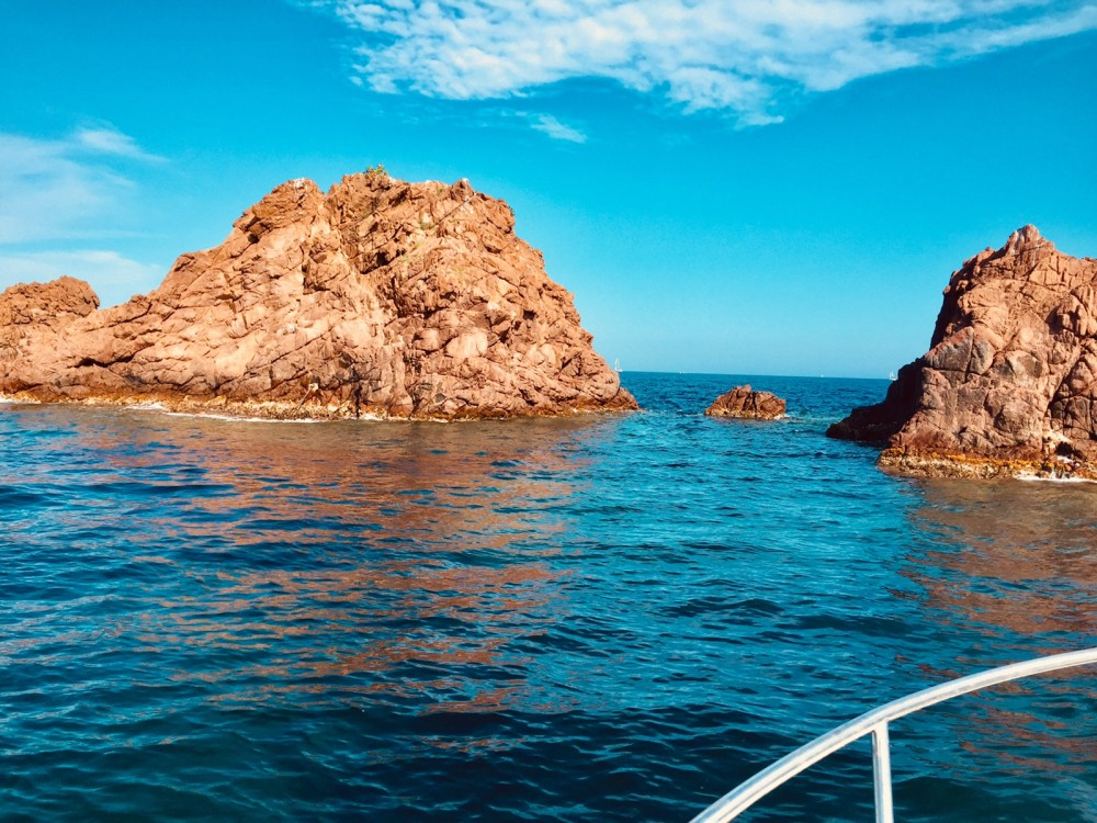Hire Motor boat with or without skipper Jeanneau Saint-Raphaël