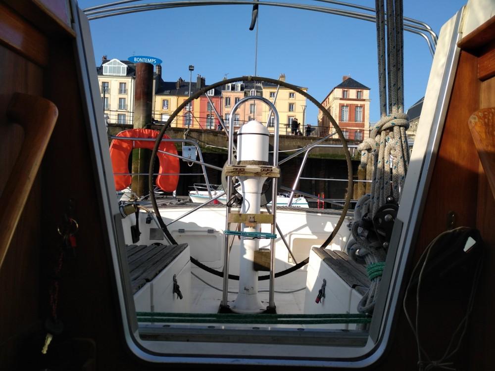 Rent a Dufour Dufour 39 Dieppe