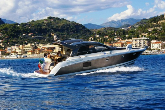 Hire Motorboat with or without skipper Jeanneau Bordighera