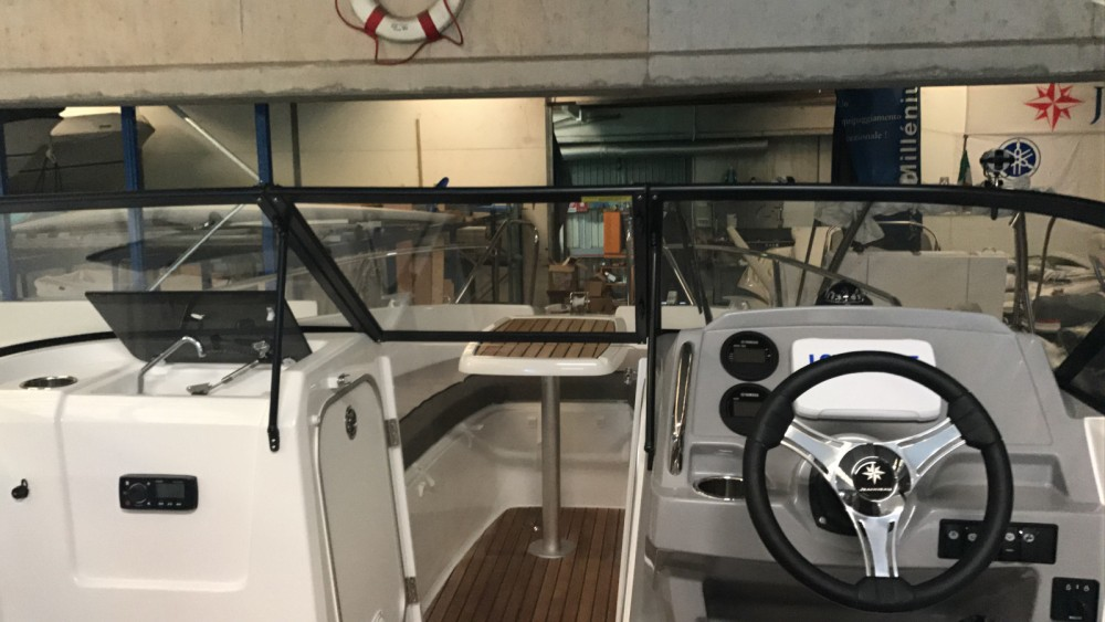 Motor boat for rent Moneglia at the best price