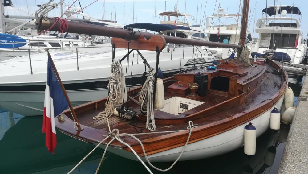Boat rental Villeneuve-Loubet cheap Cotre bermudien
