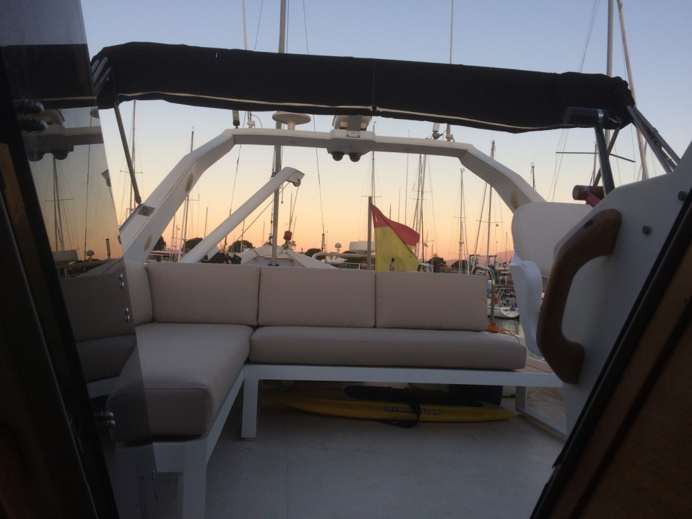 Motor boat for rent Santander at the best price