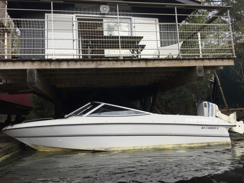 Motorboat for rent Lacanau at the best price