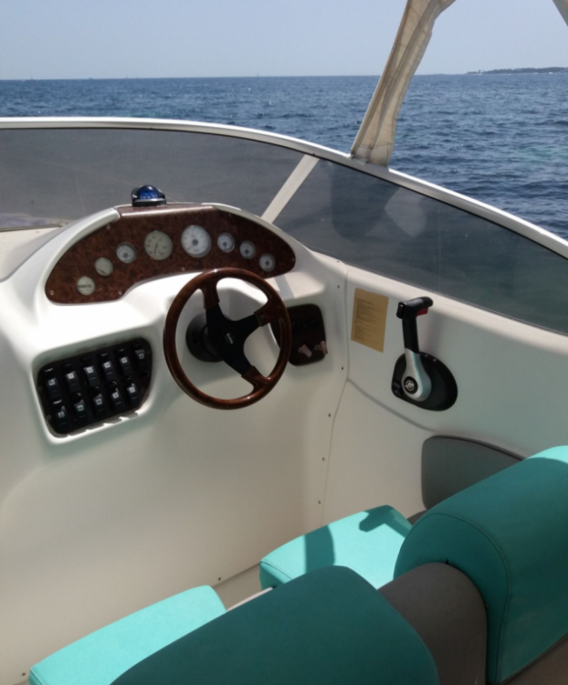 Boat rental Sessa Marine Oyster 22 in Cannes on Samboat