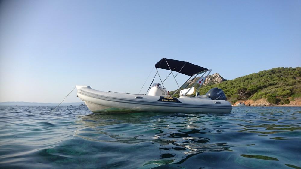 Boat rental Motonautica-Vesuviano MV 570 Comfort in Hyères on Samboat