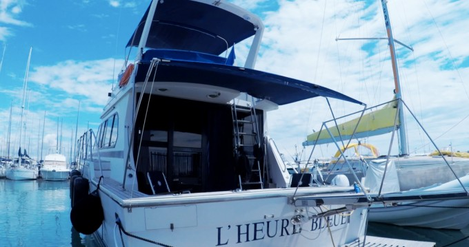 Rent a Caterpillar Fisherman 48 Saint-Laurent-du-Var