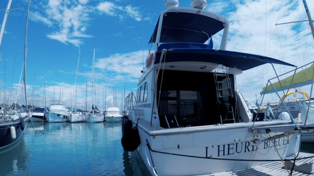 Rental Motor boat in Saint-Laurent-du-Var - Caterpillar Fisherman 48
