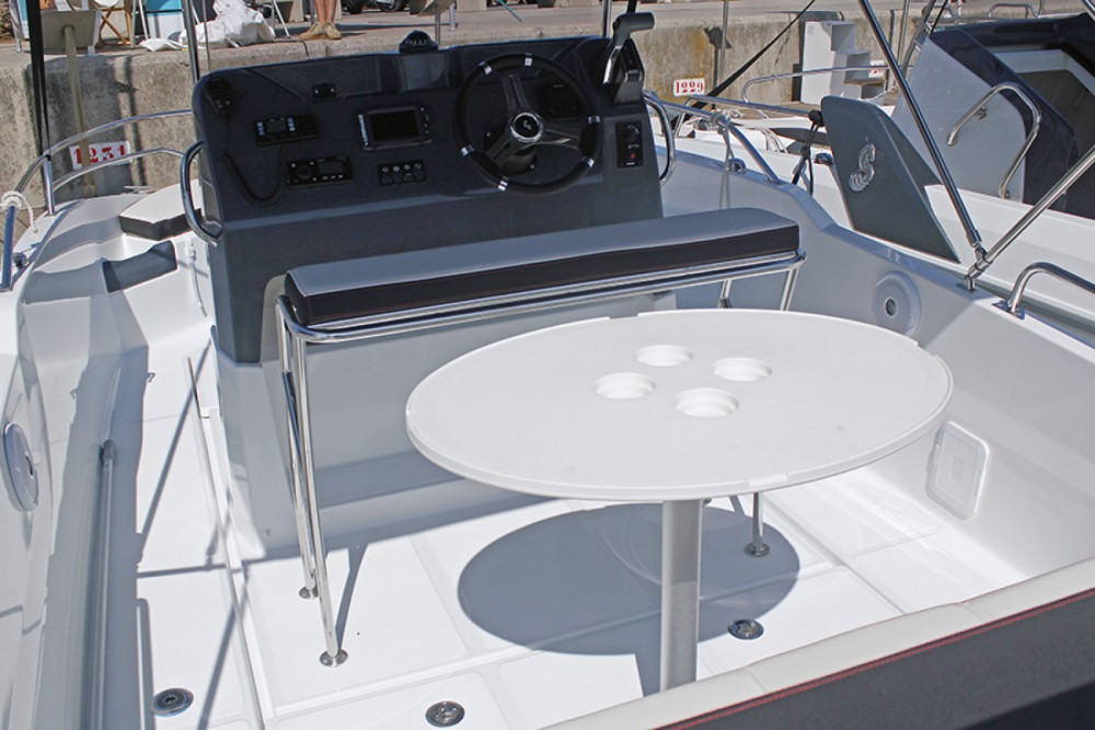 Rental Motorboat in Barcelona - Bénéteau Flyer 5.5 SPACEdeck