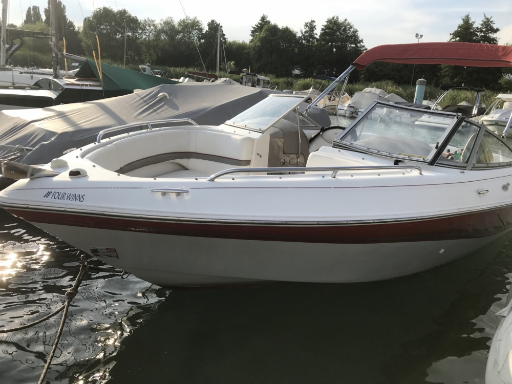 Hire Motor boat with or without skipper Four Winns Annecy