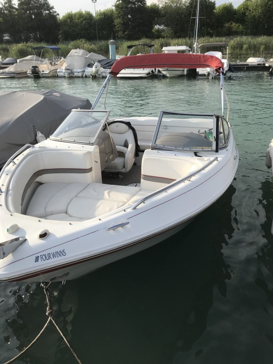 Rental Motor boat Four Winns with a permit