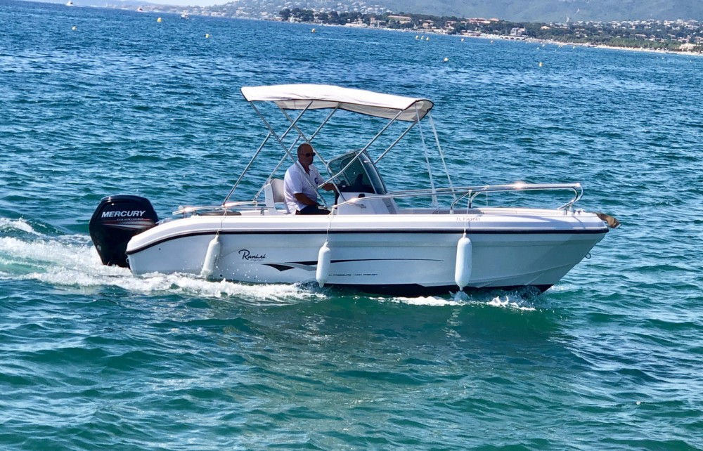 Rental Motor boat in Fréjus - Ranieri Voyager 18 S