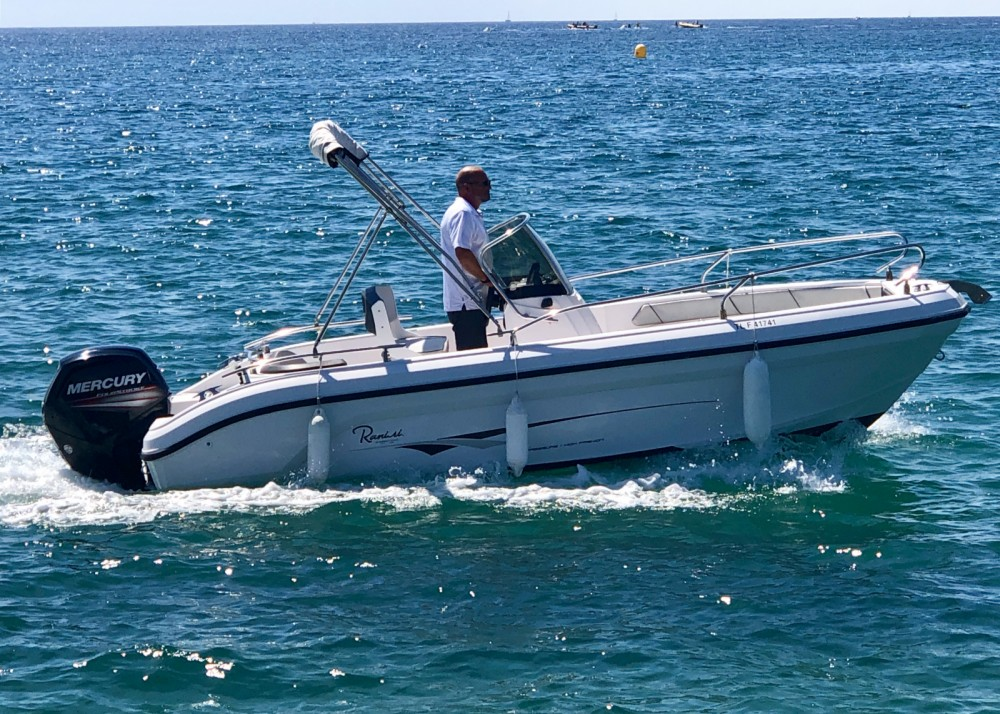 Ranieri Voyager 18 S between personal and professional Fréjus