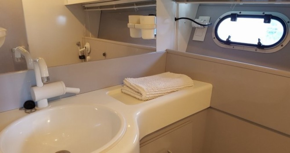 Boat rental Torrevieja cheap Mochi Craft 42 Fly